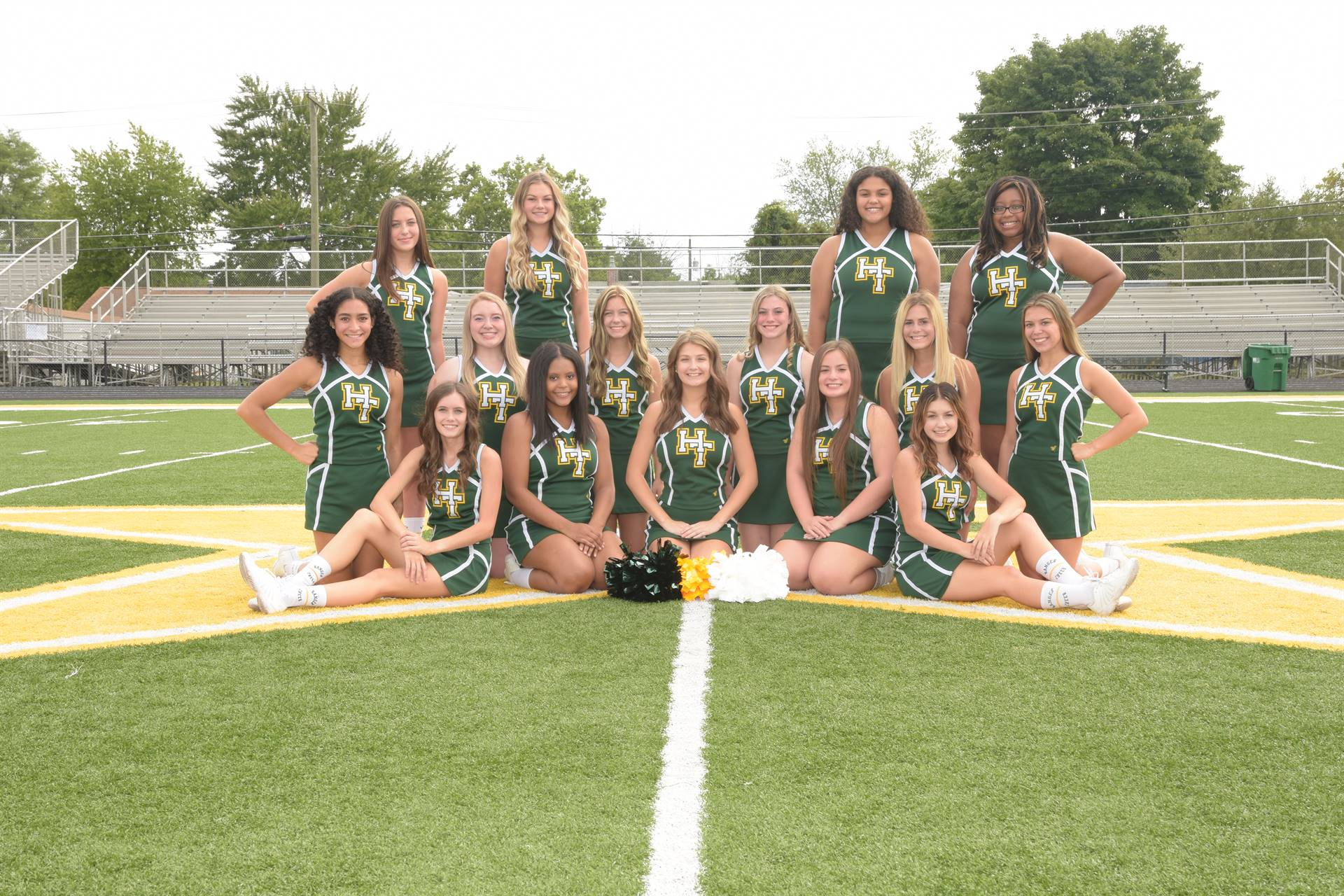 2020 Varsity Cheerleading Team